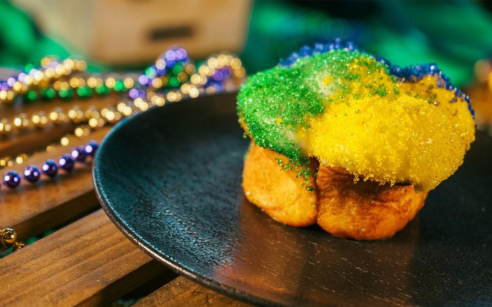 Universals-Mardi-Gras-King-Cake