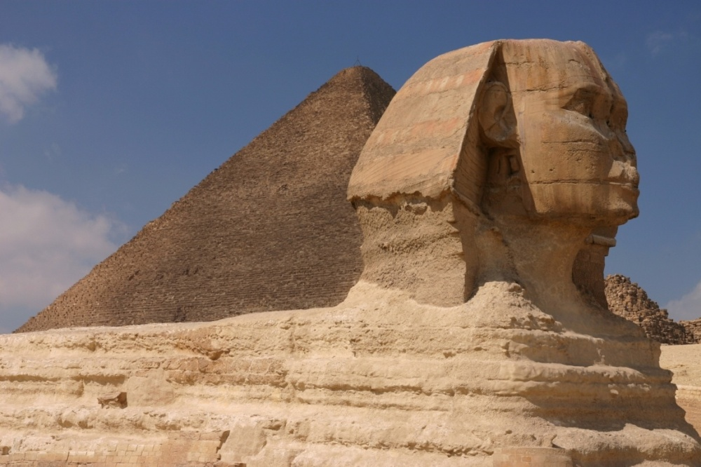 042-great-sphynx-and-khufus-great-pyramid-giza
