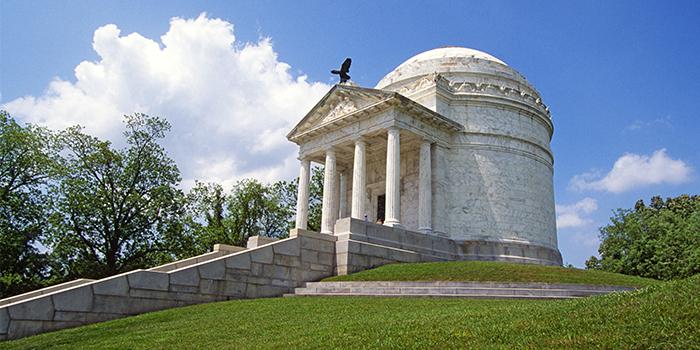 CC_Vicksburg_Civil_War_Memorial.350.2x1_tcm21-155348