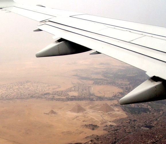 Giza-fromPlane2-wb