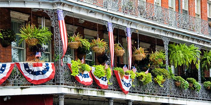 New_Orleans_French_Quarter_Building_Balcony_700x350_tcm21-155475