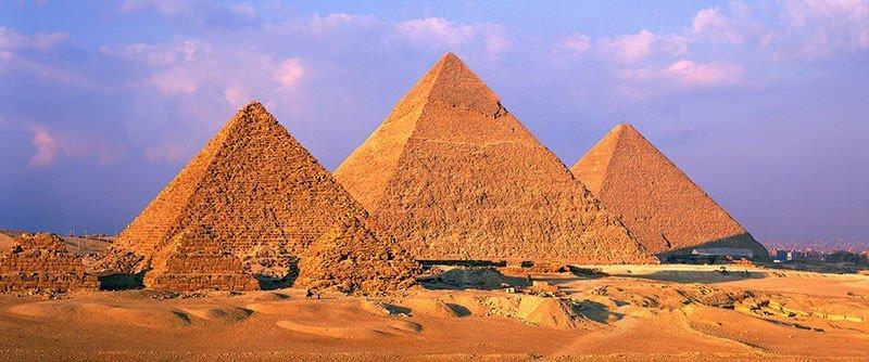 The-three-main-pyramids-of-Giza